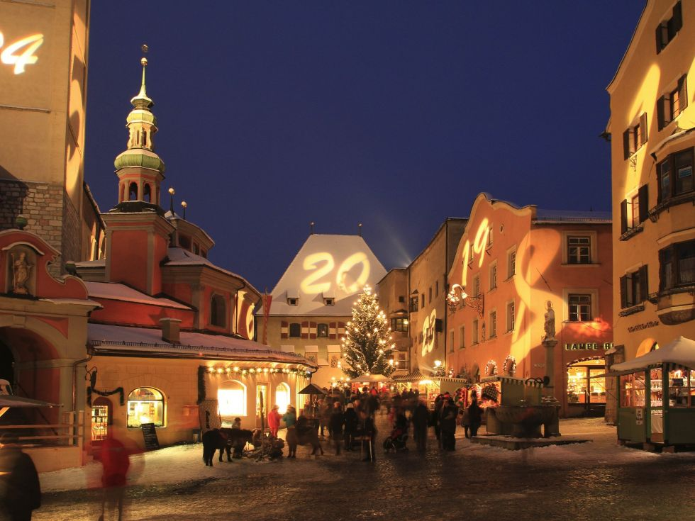 Adventsmarkt und Christkindlmarkt in Hall in Tirol: Winter